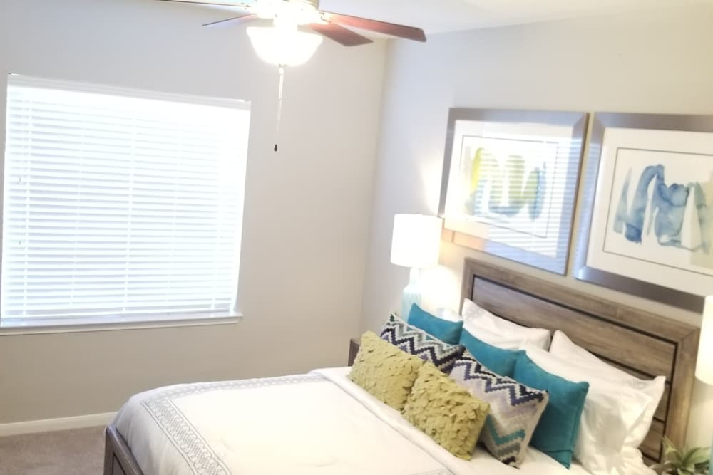 Example bedroom at apartments in Humble