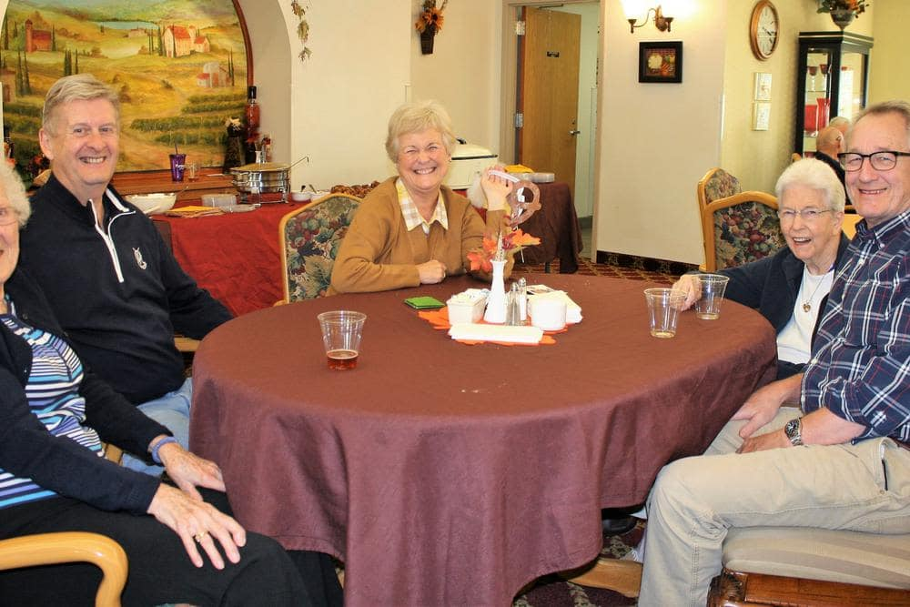 HeatherWood Assisted Living & Memory Care offers a dining area in Eau Claire, WI