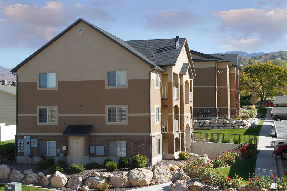 Exterior of apartments at Ridgeview Apartments