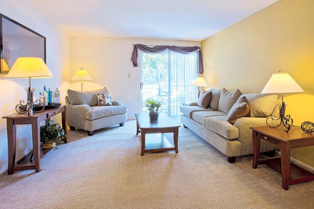 A view of the living room at Reflections at Virginia Beach