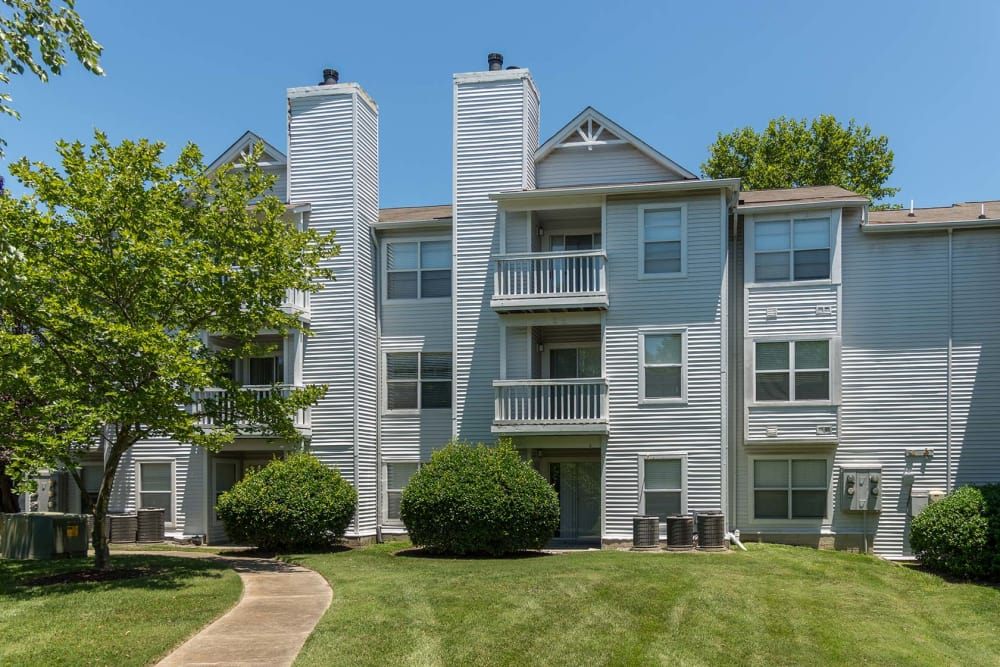 Exterior view of apartments in Virginia Beach