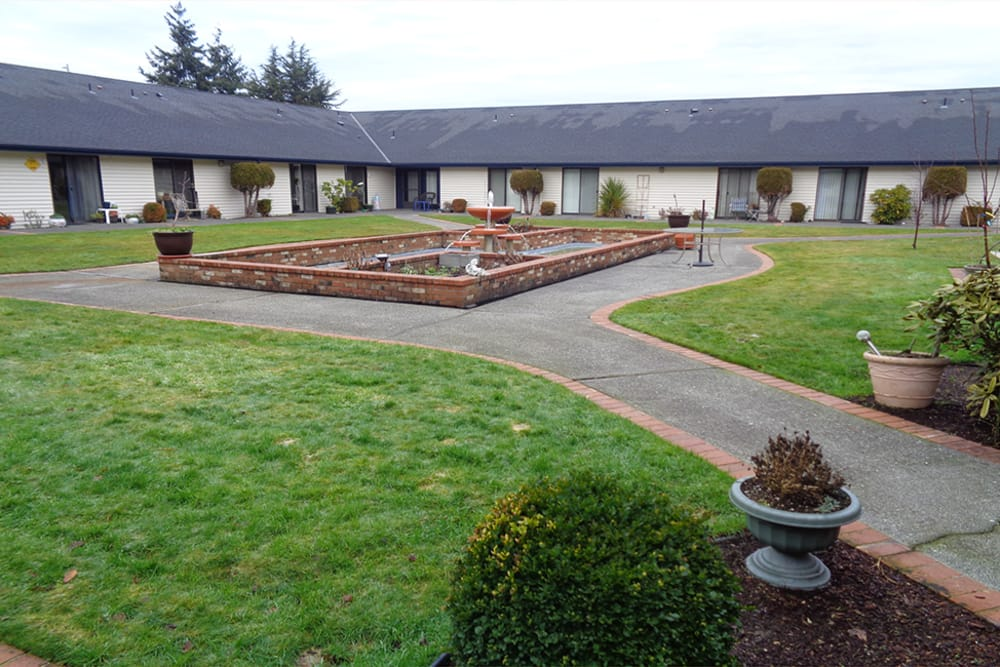 Courtyard at Logan Creek Retirement Community
