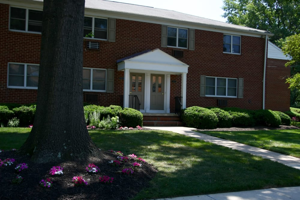 Exterior view of resident building at Wingate Apartments