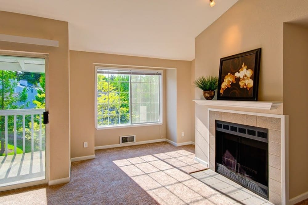 Living Room at Maple Glen Apartments in Mountlake Terrace, Washington