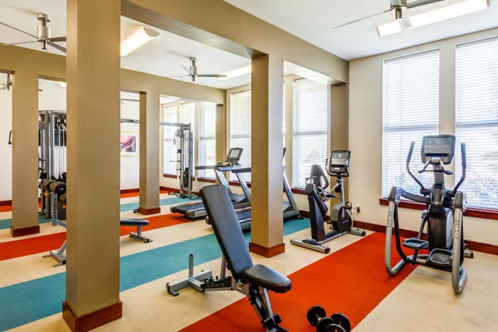 Enjoy Apartments with a Gym at 4000 Hulen Urban Apartment Homes