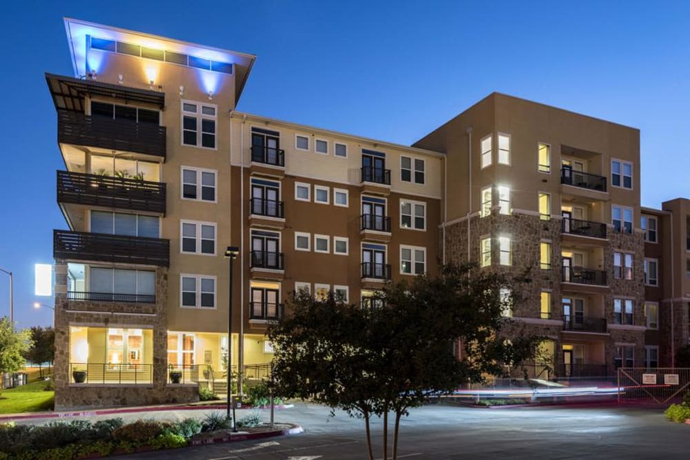 Exterior of 4000 Hulen Urban Apartment Homes in Fort Worth, TX