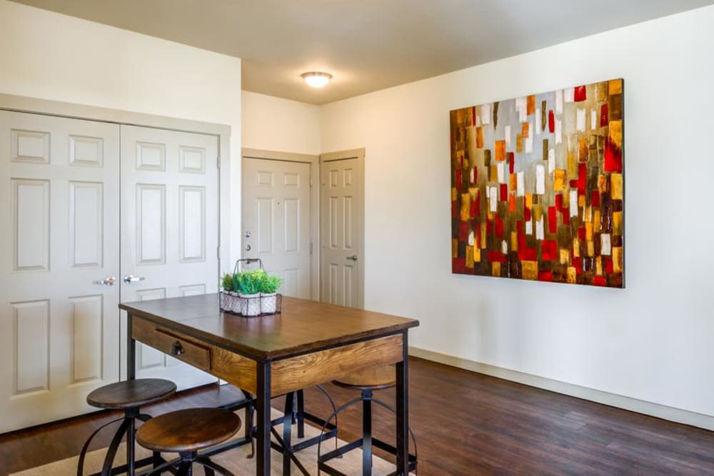 Dining Area at 4000 Hulen Urban Apartment Homes in Fort Worth, Texas