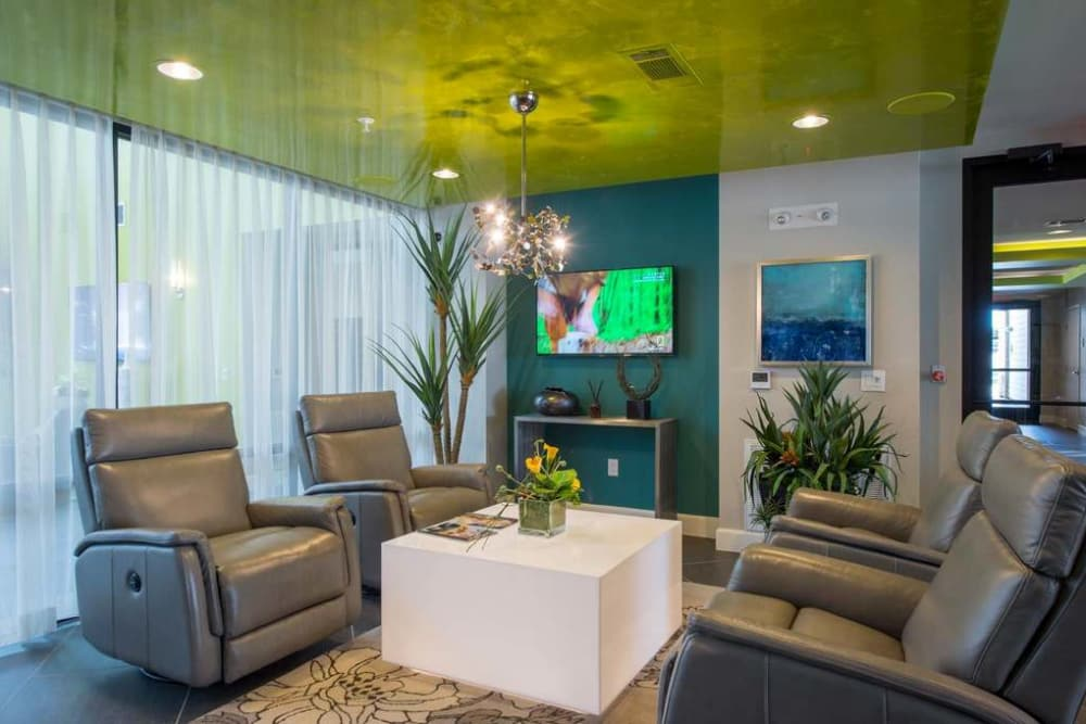 Resident seating area at Imperial Lofts in Sugar Land, Texas