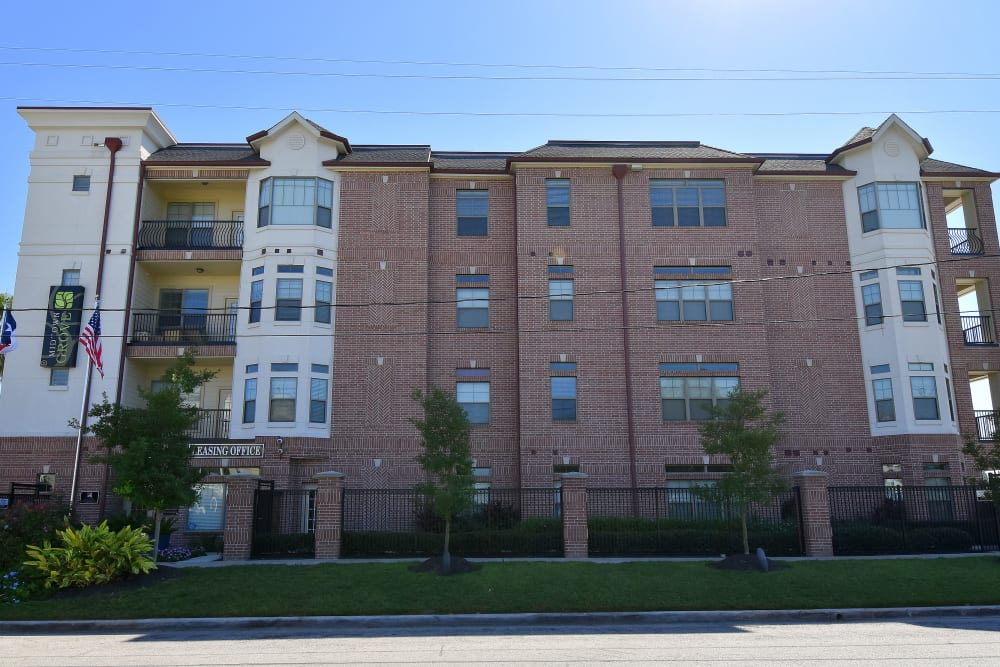 Street view of Midtown Grove Apartments