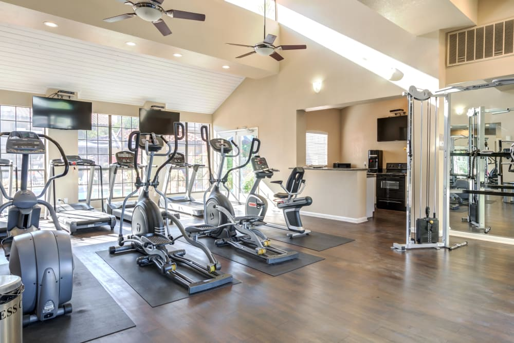 On-site fitness center at Elliot's Crossing Apartment Homes in Tempe, Arizona