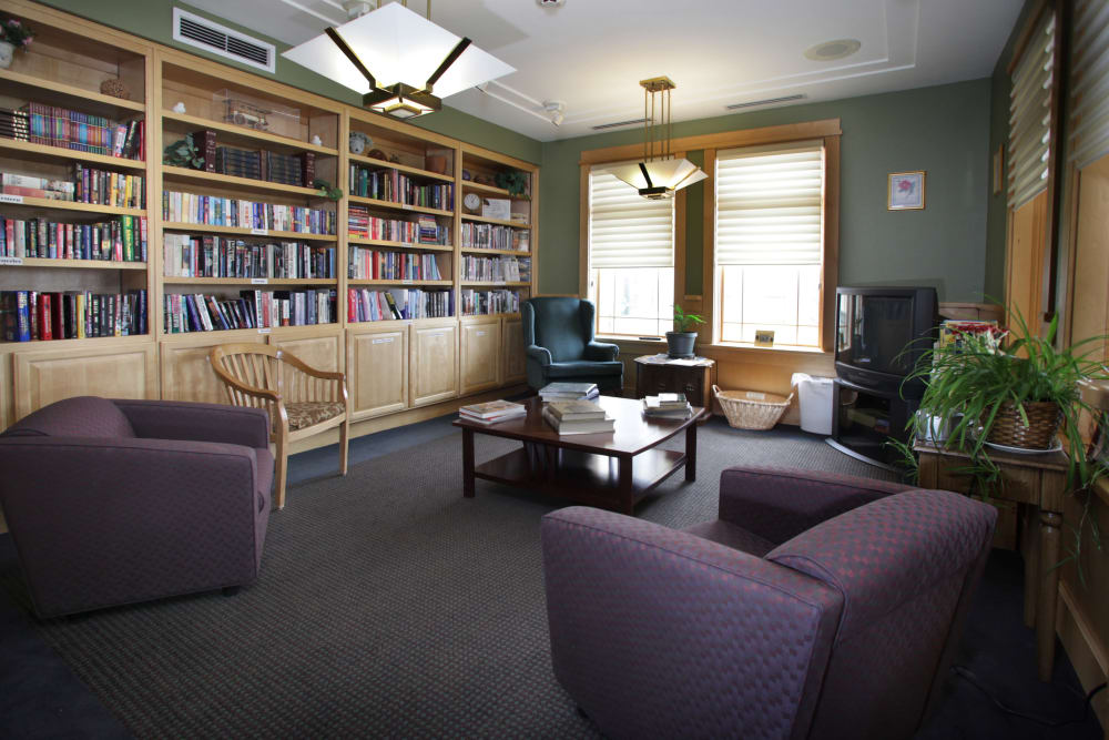 Library and common area at Crystal Terrace of Klamath Falls in Klamath Falls