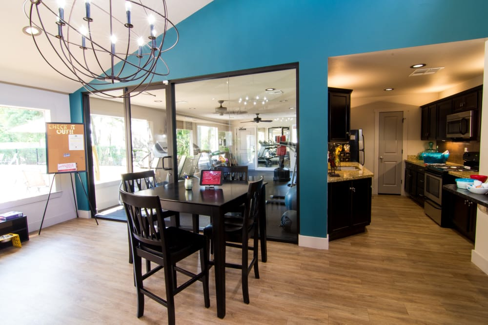 Resident lounge at Deerbrook Forest Apartments
