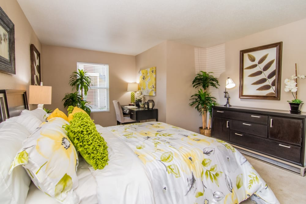 Large bed at Deerbrook Forest Apartments