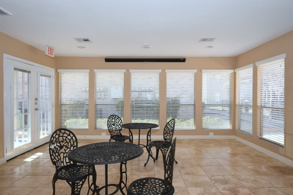 Office lounge at Green Meadows Apartments