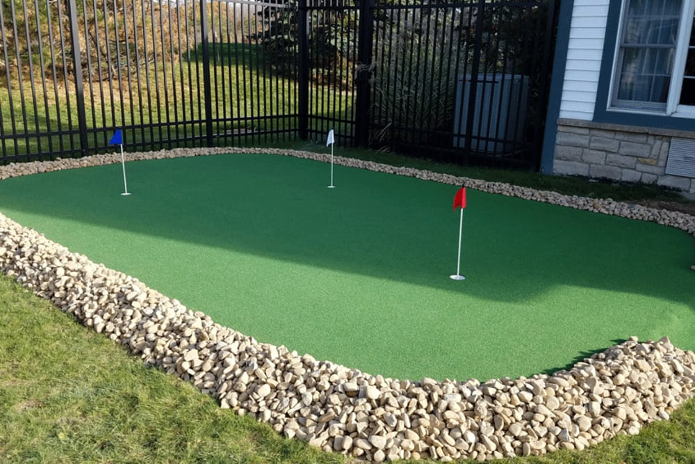 Our on-site putting green at Symphony at Mentor