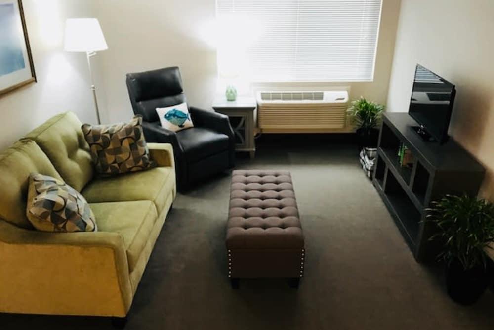 Spacious living room at Heatherwood Senior Living in Boise, Idaho