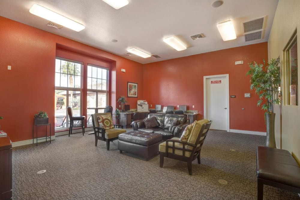Meeting room at Norterra Canyon Apartments