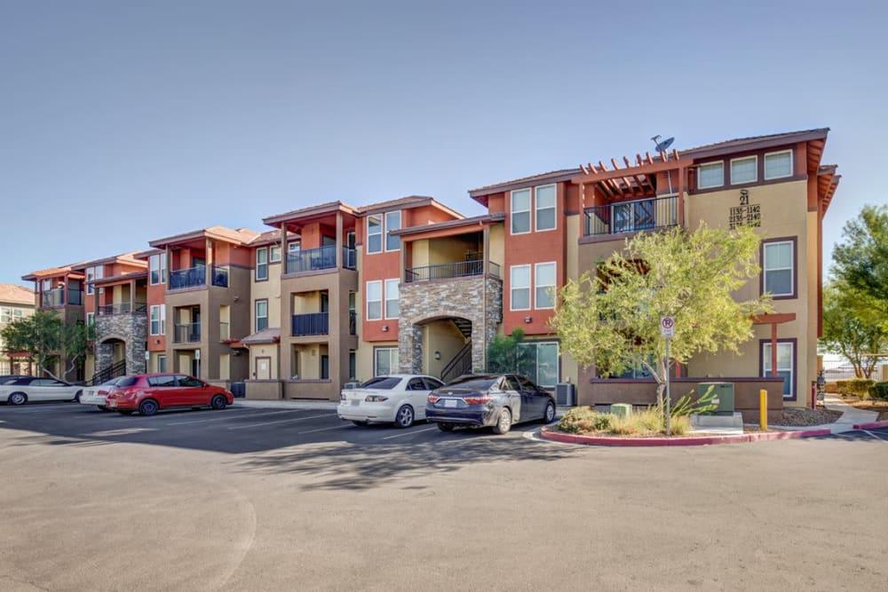Exterior of Norterra Canyon Apartments