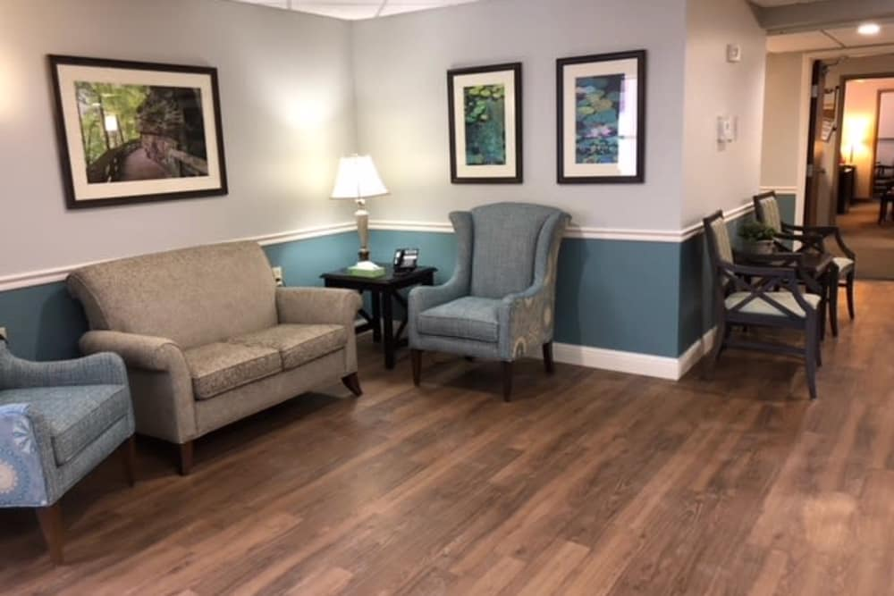 Alcove with seating in a hallway at Royalton Woods in North Royalton, Ohio