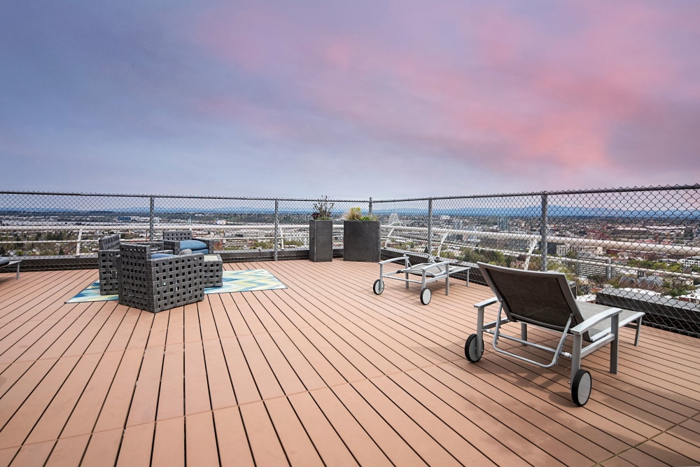 Rooftop terrace at 735 St. Clair in Portland, OR