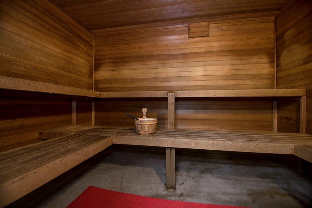 Sauna at Sunset Summit Apartments