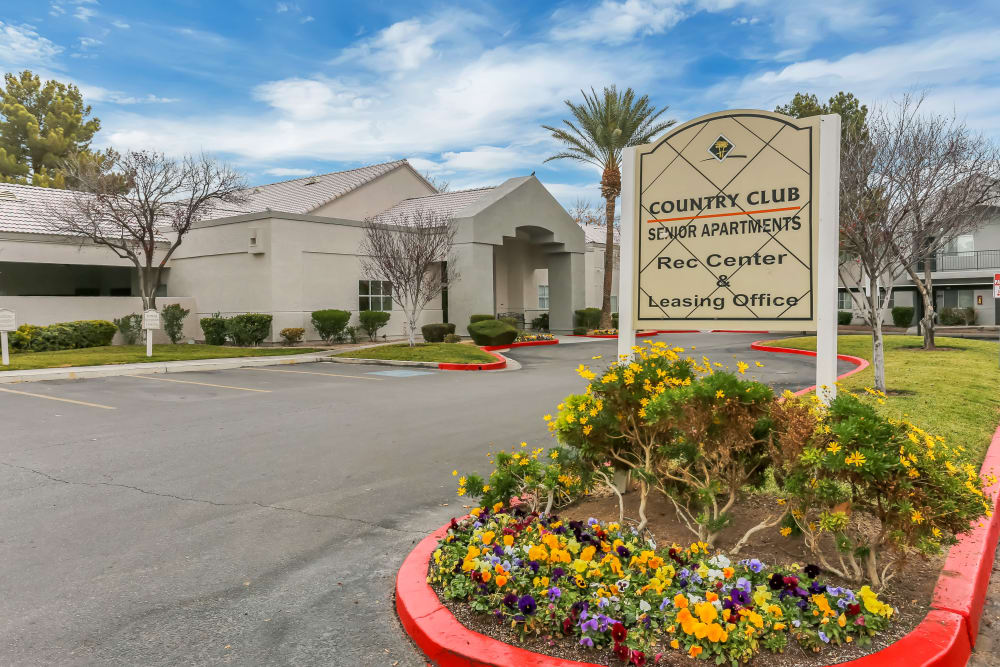 Make your living space your own at Country Club at the Meadows; our spacious luxury apartments have plenty of room here in Las Vegas.