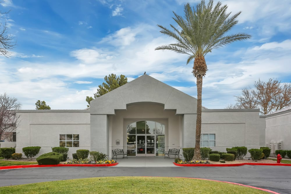 Come home to Country Club at the Meadows luxury apartments in Las Vegas.