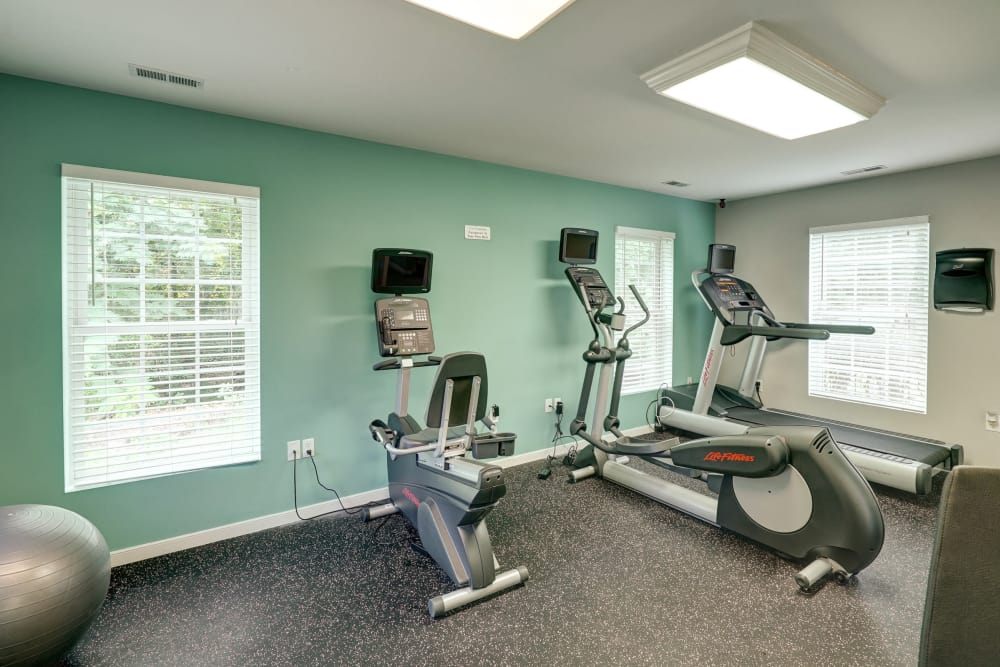 Stay healthy in the Aston Ridge Apartments fitness center in Richmond