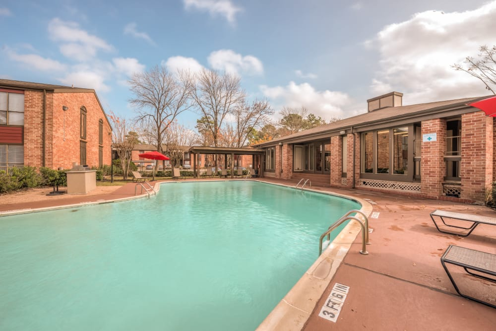 Refreshing pool at Rock Creek apartments in Houston, Texas