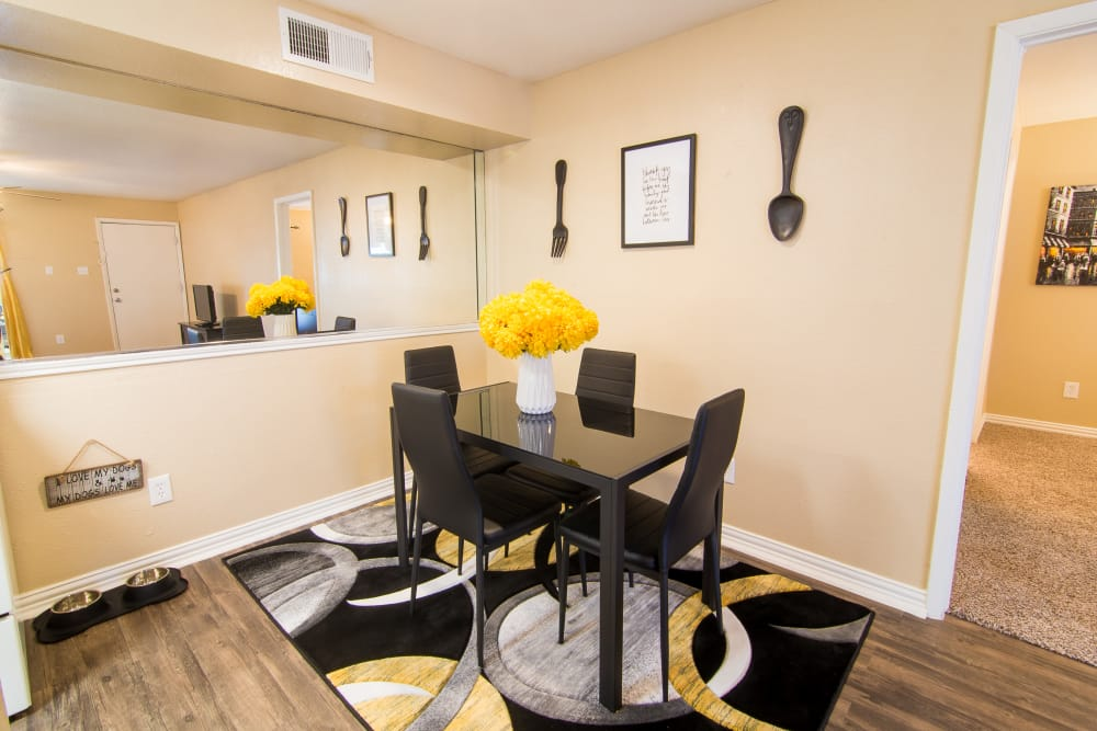 Dining and kitchen area at Meadowbrook Apartments