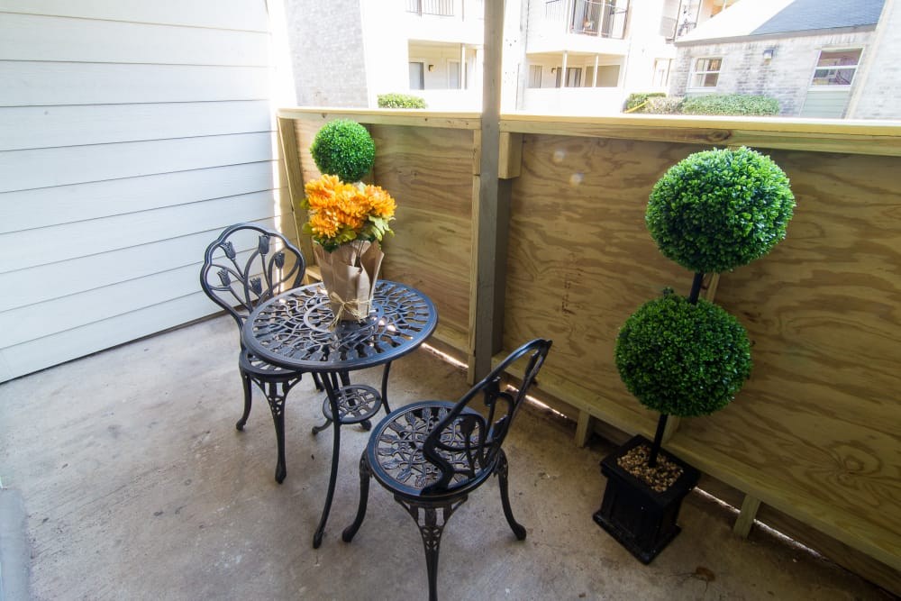 Fenced patio at Meadowbrook Apartments