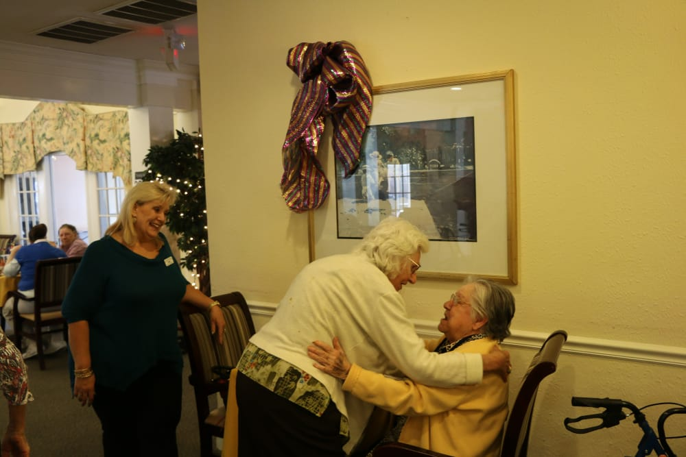 Residents at Azalea Estates of New Iberia interacting