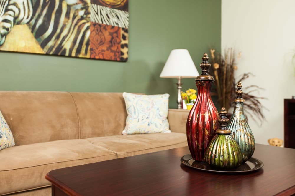 Decorative vases on a coffee table at Cross Creek Cove Apartments & Townhomes