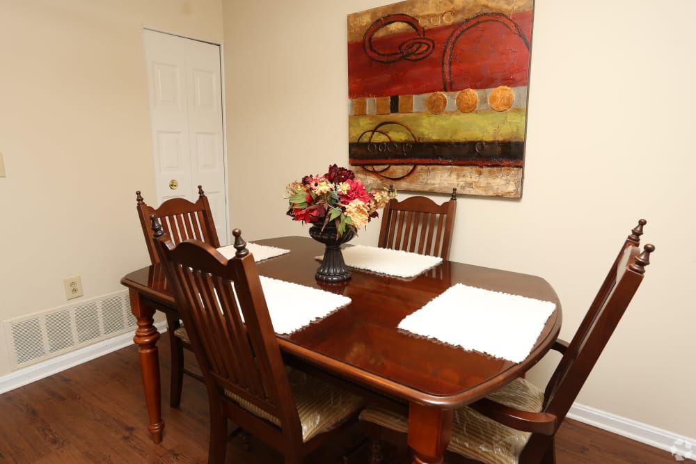 Dining table at King George Apartments