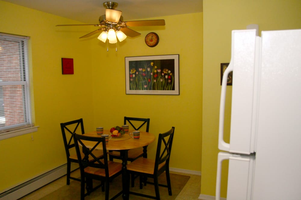 A dining nook at Center Grove Village