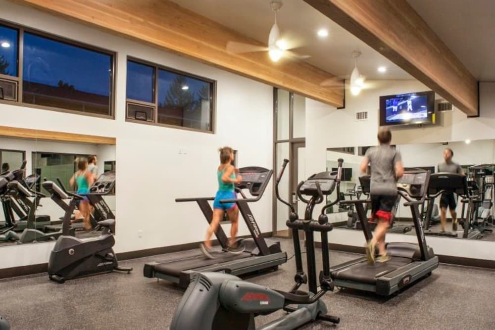 Cedar Hills Apartments offers a luxury fitness center in Portland, Oregon