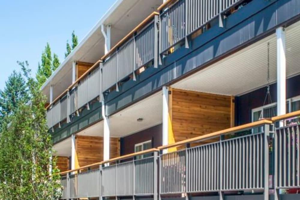 Cedar Hills Apartments offers private balconies in Portland, Oregon