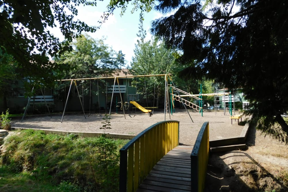 Forest Ridge offers a spacious playground in Aloha, Oregon