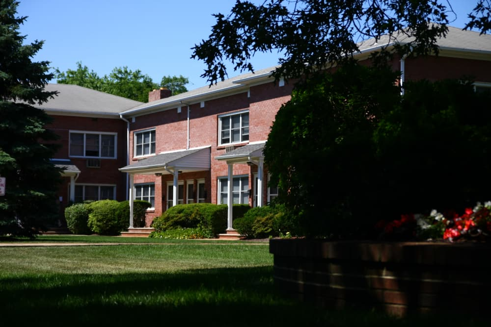 Waterway Court Apartments has spacious lawns