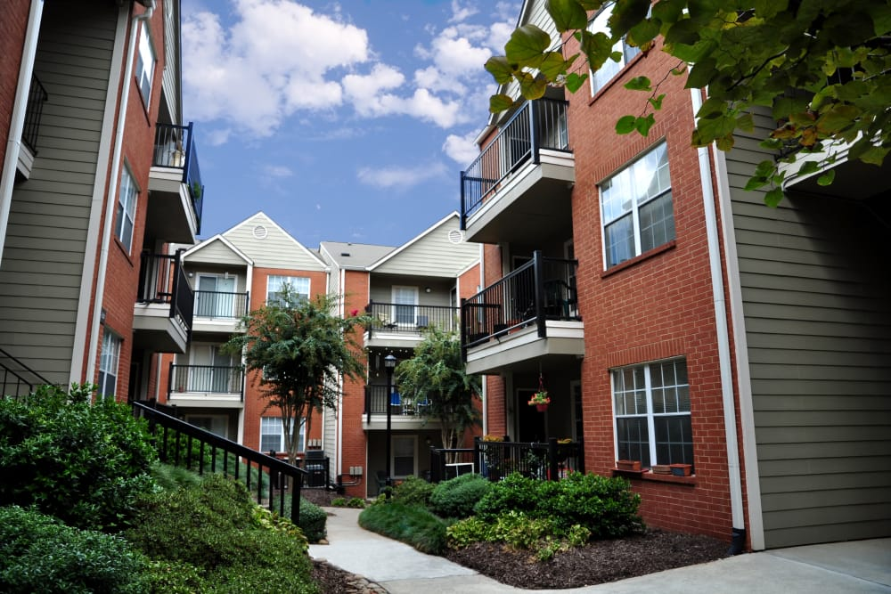 Brookwood Valley offers garden-style apartments for rent in Atlanta