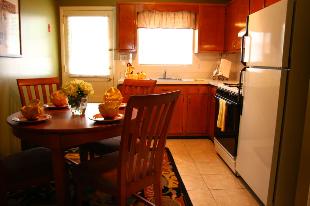 A kitchen model at Brookview Manor Apartments