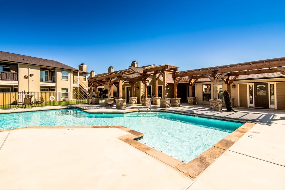 Beautiful swimming pool at Cedar Ridge Apartments