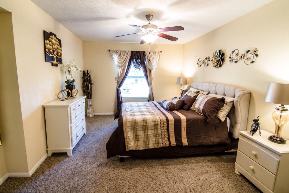 Large bedroom at Cedar Ridge Apartments