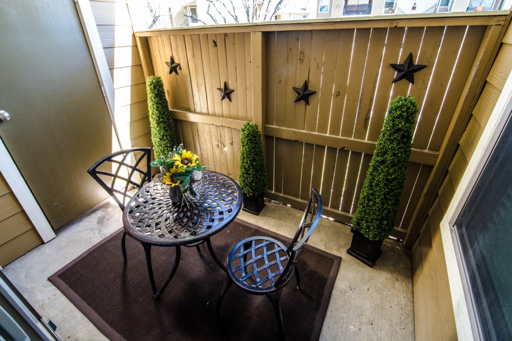 Fenced patio at Cedar Ridge Apartments