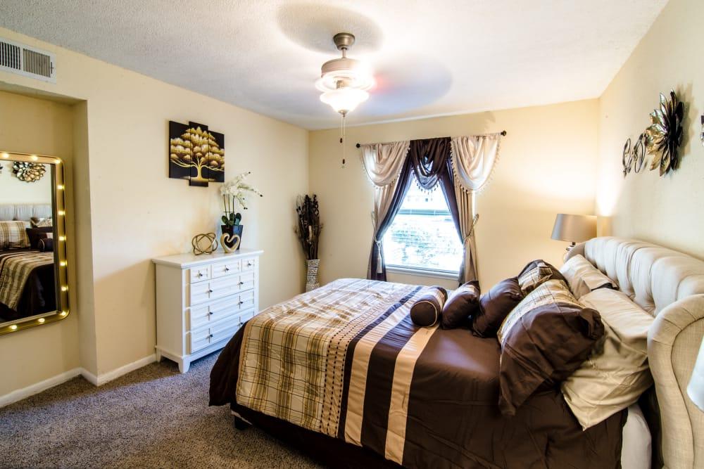 Cedar Ridge Apartments bedroom