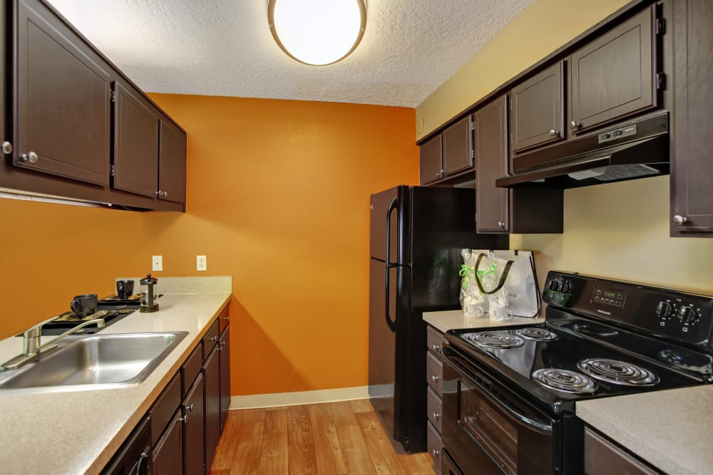A look at the kitchen at Jasper Square Apartment Homes in Beaverton, OR