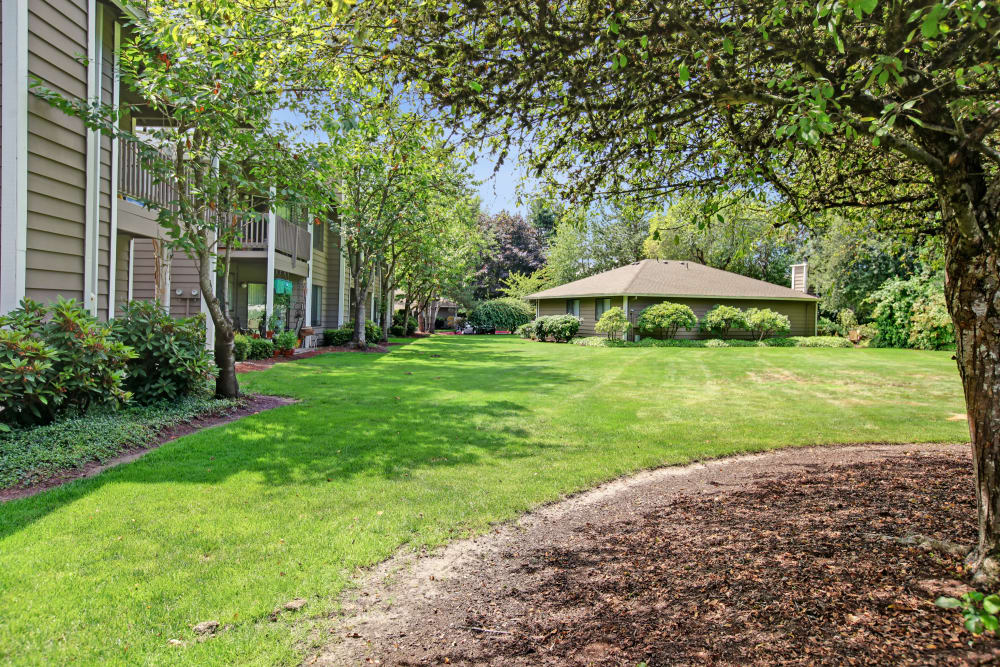 Covered area at Jasper Square Apartment Homes in Beaverton, OR