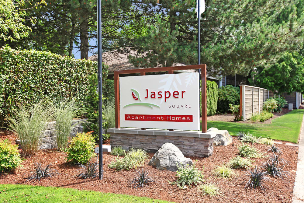 Sign at the entry of Jasper Square Apartment Homes in Beaverton, OR