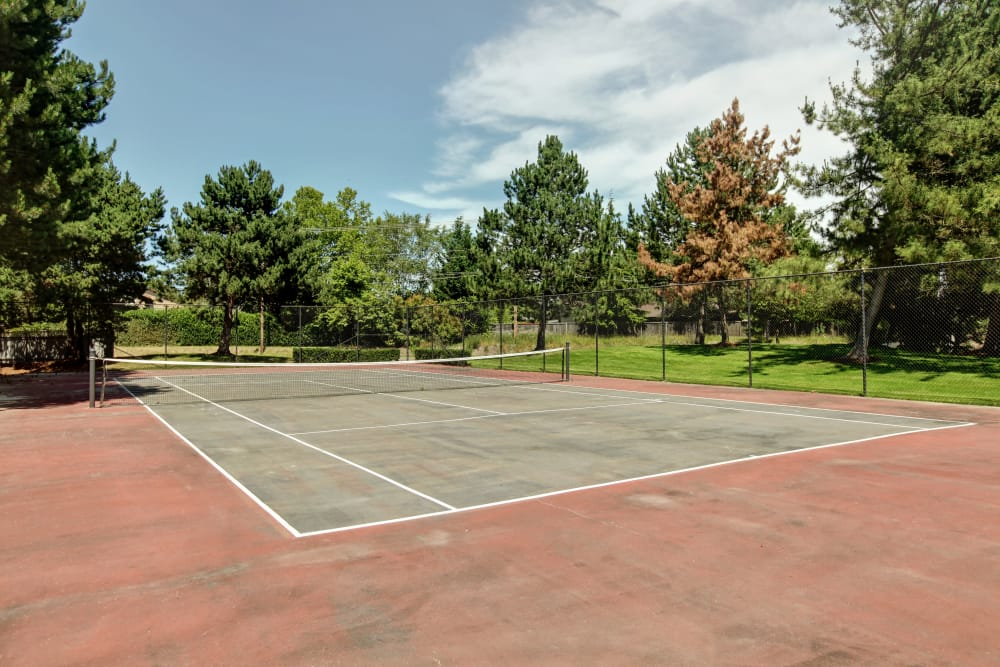 Tennis court at Jasper Place in Beaverton, OR
