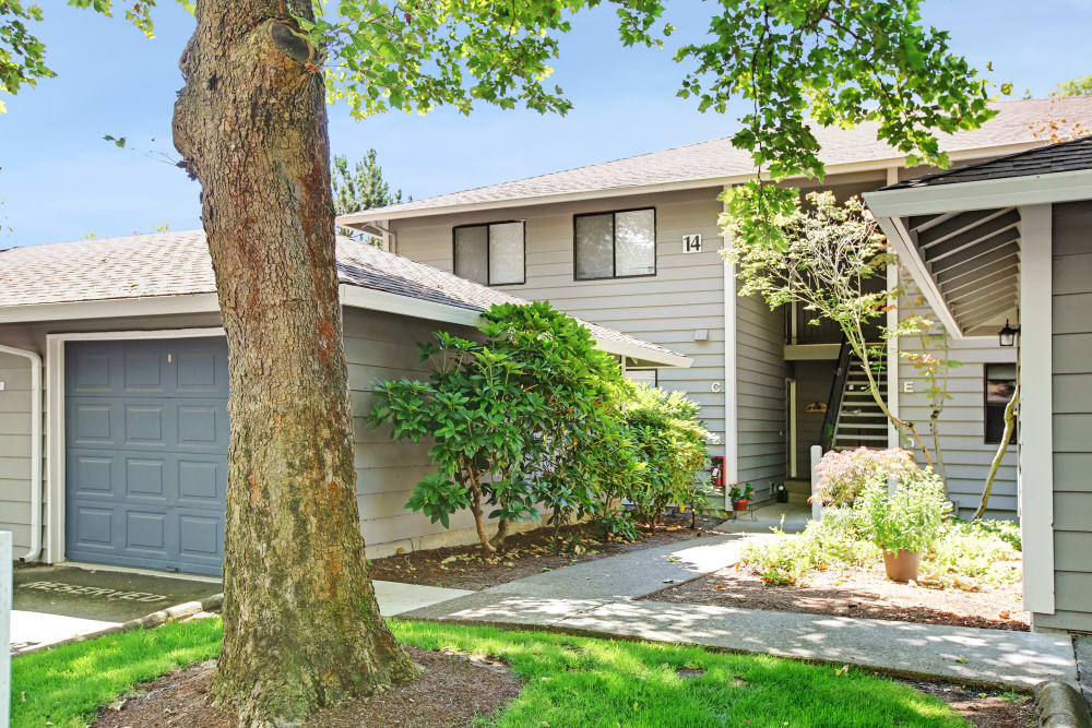 Front entry to apartments in Beaverton, OR